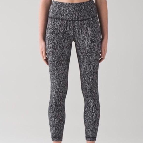 111fd51a6 lululemon athletica Pants - Lululemon Speckled Wunder Under Leggings